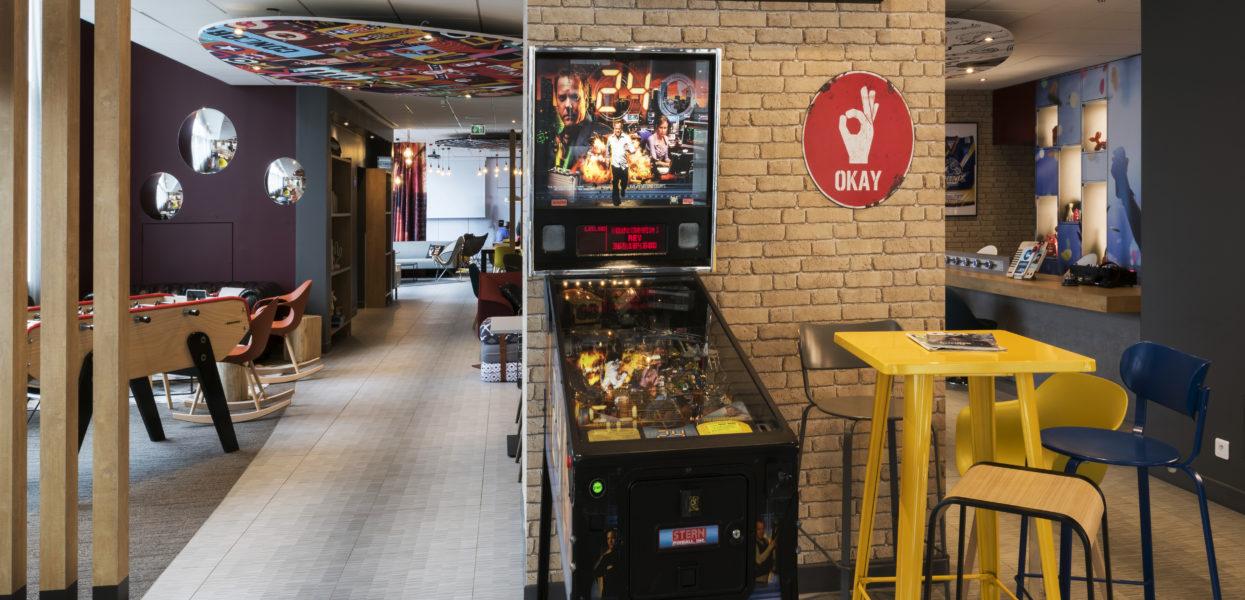 Hotel IBIS / Grape Bar